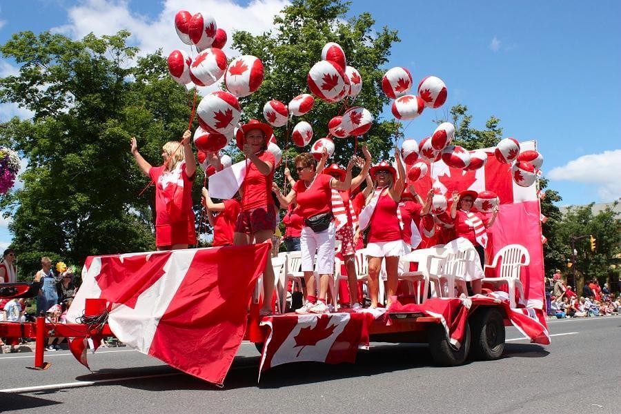 カナダデーとは?パレードの様子