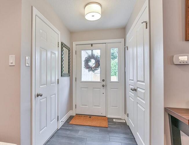 カナダの家の特徴:玄関