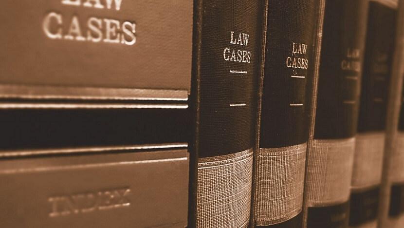 カナダで弁護士を探す