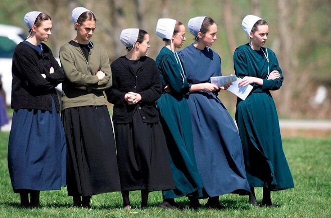 メノナイトの服装(女性)